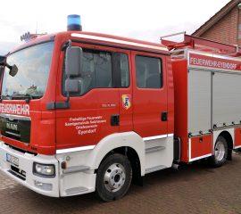 Neues Einsatzfahrzeug für die FF Eyendorf übergeben