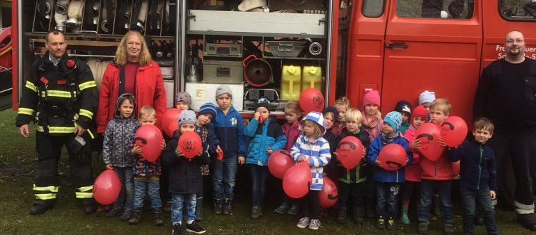 Brandschutzerziehung im Kindergarten Stove – Feuerwehr gibt kindgerechte Tipps für den Ernstfall