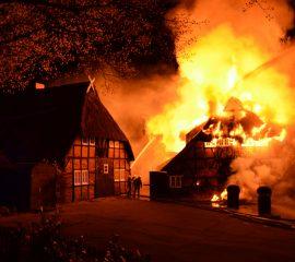 Großfeuer in Salzhausen zerstört jahrhundertealtes Hotel