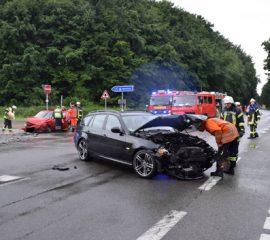 Verkehrsunfall im Berufsverkehr – Zwei Personen verletzt