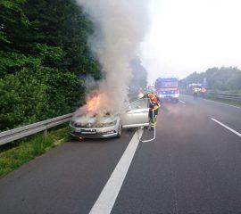 PKW brannte auf der A 39 bei Maschen – Feuerwehr Maschen löschte Fahrzeugbrand