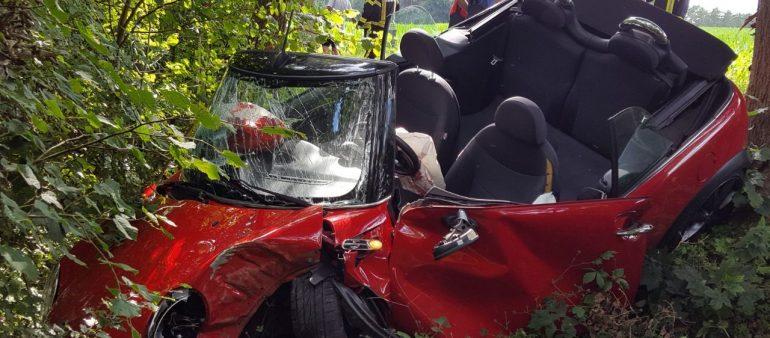 Verkehrsunfall zwischen Hanstedt und Quarrendorf – Junge Frau erleidet lebensgefährliche Verletzungen