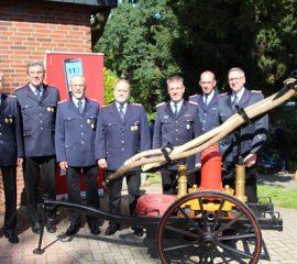 Vier langjährige Mitglieder der Feuerwehr Ehestorf/Alvesen für 50-jährige Mitgliedschaft geehrt