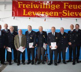 16.09.17 : Sechs verdiente Mitglieder der Feuerwehr Leversen/Sieversen ausgezeichnet