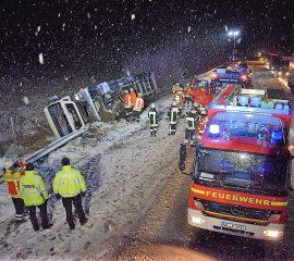 10.12.17 : Lkw-Unfall auf Autobahn A7