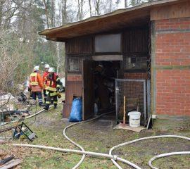 22.02.18 : Brand in einer Werkstatt beschäftigt Feuerwehr