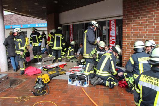 25.02.18 : Großübung von Feuerwehren, Rettungsdiensten und Polizei bei vermeintlichem Attentat in Buchholzer Innenstadt – 350 Helfer im Einsatz