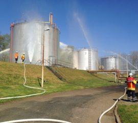 Großangelegte Übung in Beckedorf – Vier Seevetaler Wehren üben Menschenrettung und Tankbrandbekämpfung