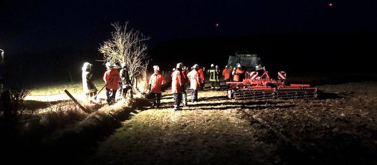 28.03.18 : Schwelbrand am Ackerschlepper in Pattensen