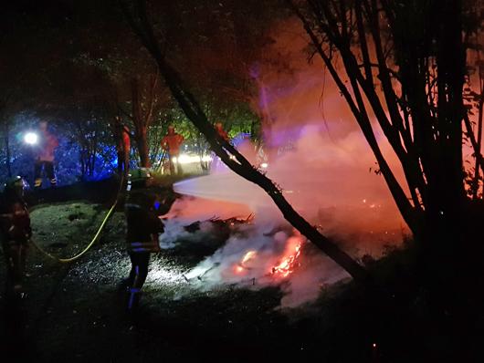 19.05.18 : Mehrere Feuerwehren löschen Unterholzbrand in Maschen – auch in Meckelfeld brannte ein Moorstück