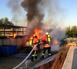 21.05.18 : Feuer in Fischaufzucht – Feuerwehren verhinderten großen Schaden