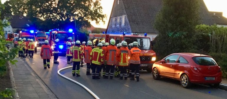 23.05.18 : Feuer in Hittfelder Wohnhaus – Seevetaler Feuerwehren verhindern Großbrand