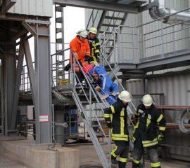 Kreisfeuerwehr absolviert komplexe Einsatzübung in Winsen