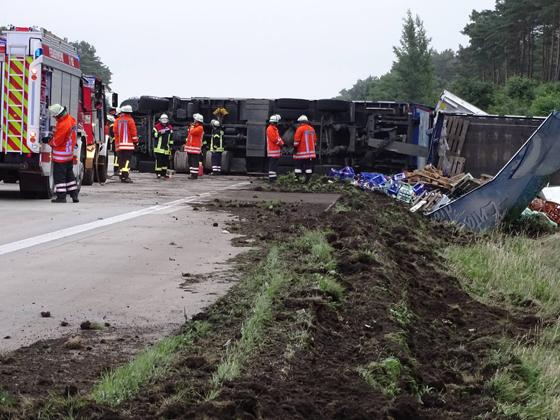 25.06.18 : Lkw-Unfall auf der BAB 7 zwischen AS Evendorf und Egestorf