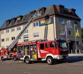 Feuerwehren Maschen und Meckelfeld übten erfolgreich Menschenrettung und Brandbekämpfung