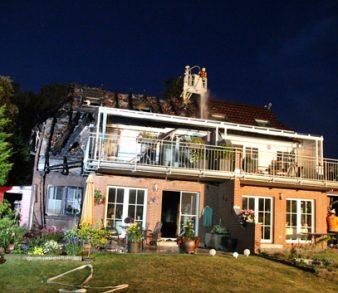 19.09.18 : Sechs Feuerwehren bei Großbrand in Metzendorf – Doppelhaus brannte – hoher Sachschaden