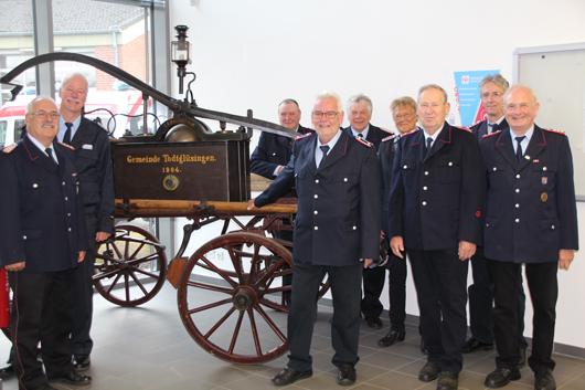 Kreisfeuerwehrverband freut sich über einen besonderen Hingucker in der Feuerwehrtechnischen Zentrale : Alte Handdruckspritze begeistert