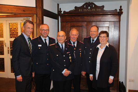Ehrungsabend bei der Feuerwehr Sprötze : Verdiente Mitglieder wurden ausgezeichnet
