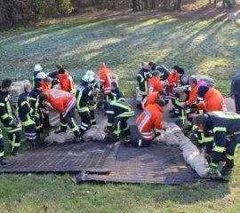 Erfolgreich den Katastrophenfall geprobt – Kreisfeuerwehr und Landkreis Harburg übten gemeinsam eine Großschadenslage – Sturm und Starkregen sorgten für reichhaltiges Übungsszenario