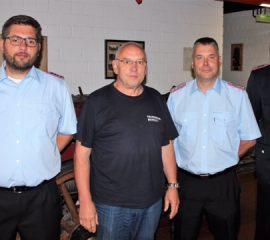 Hohe Ehrung für Hans-Peter Mohrmann von der Feuerwehr Tostedt