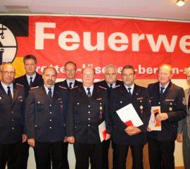 Weitere Stärkung des Ehrenamts dringend erforderlich – verdiente Feuerwehrleute ausgezeichnet – 244 neue Feuerwehrleute vereidigt