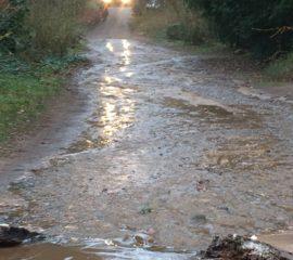 02.12.17 : Wasserrohrbruch in Ashausen sorgt für Feuerwehreinsatz