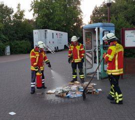 01.07.18 : Maschener Büchereitelefonzelle brannte – Feuerwehr löschte
