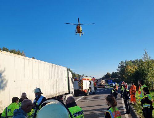 Schwerer Verkehrsunfall auf der BAB 261