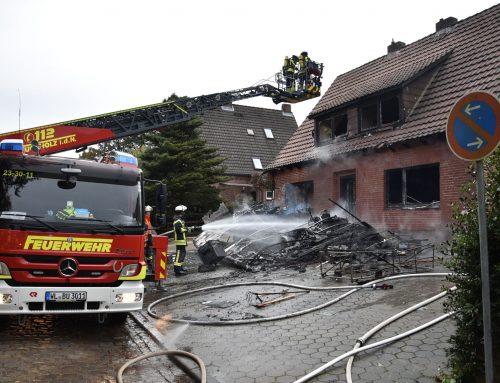 Großeinsatz für die Feuerwehr in Klecken – brennendes Wohnmobil setzt Gebäude in Brand